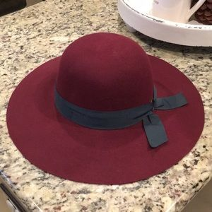 Wide Brim floppy hat.